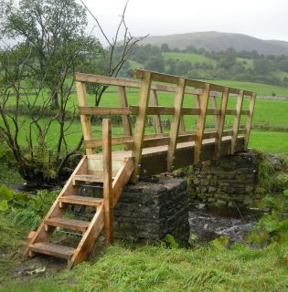 Softwood Kit Bridge with Steps - Ref 3454