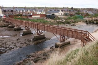 Bespoke Hardwood timber Footbridge - Ref 4072