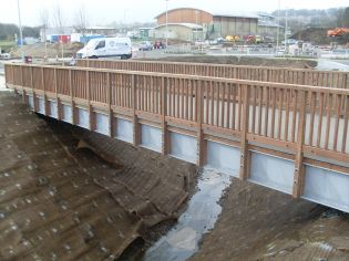 Steel and timber Footbridge at Sainsbury's, Alnwick - Ref 3056